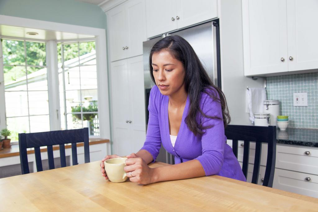 Las náuseas y vómitos en el embarazo y el desarrollo de su bebé